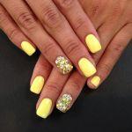 5 υπέροχα μανικιούρ με κίτρινο χρώμα