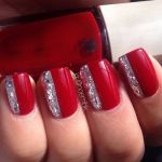 5 glamorous κόκκινα μανικιούρ με γκλίτερ
