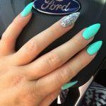 7 ζουμερά σχέδια για νύχια για το καλοκαίρι