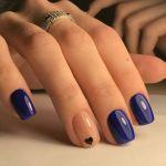 15 εντυπωσιακά μπλε μανικιούρ