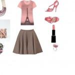 φούστα Alexander McQueen και ένα ροζ t-shirt Moschino