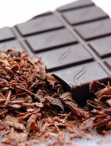 mavri sokolata 228x300 - Τα υπέρ και τα κατά της μαύρης σοκολάτας