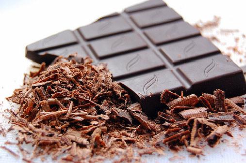 mavri sokolata - Τα υπέρ και τα κατά της μαύρης σοκολάτας