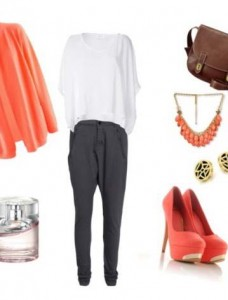 Clip 426 228x300 - Look of the day με τσάντα Fossil