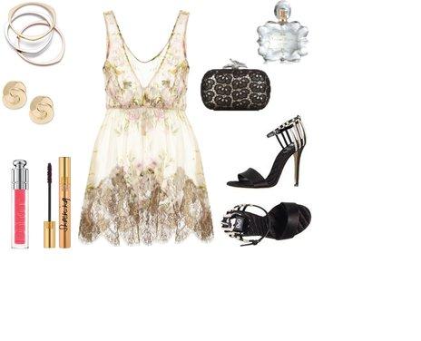 5256fb1ba77a544d9bf859d20c22d674 - Look of the day με φόρεμα Rosamosario και πέδιλα D&G