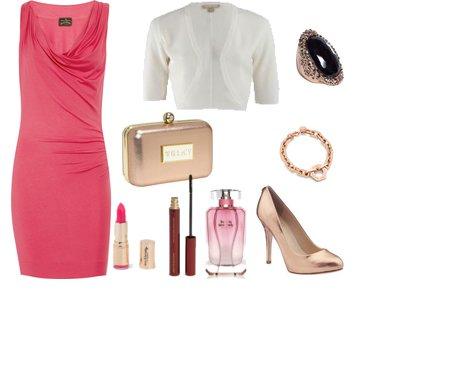 f94118474d546a8c93163bbd4e126d23 - Look of the day με ροζ φόρεμα Vivienne Westwood