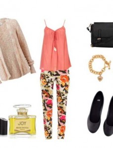 Clip 437 228x300 - Look of the day με μπλουζάκι Monsoon